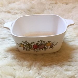 Vintage Corning Ware 2 3/4 cup Casserole Dish